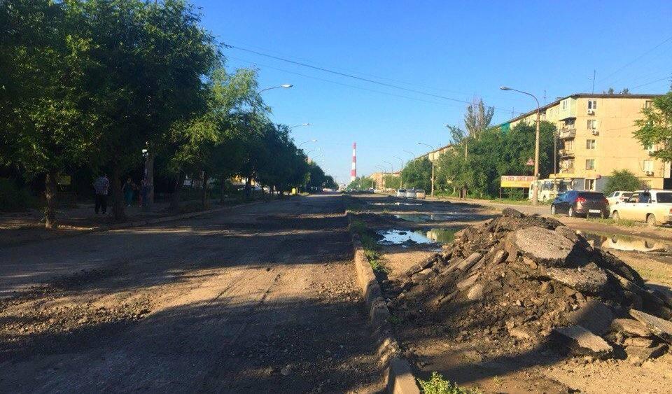 Астраханские дороги снова стали ремонтировать