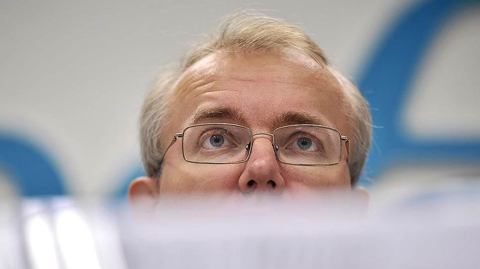 Олег Шеин проголосовал за закон о тотальной слежке