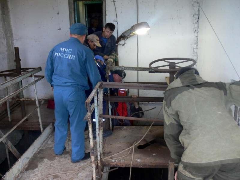 Трое астраханцев пострадали при обрушении металлоконструкций
