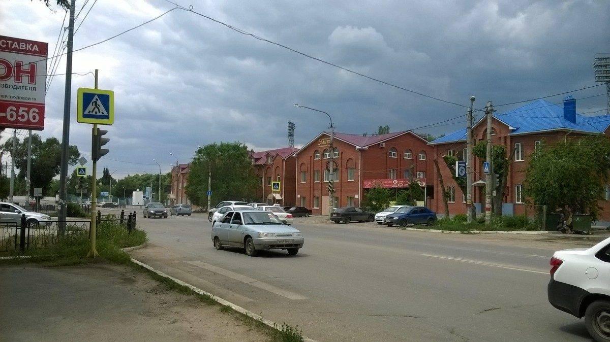 На улице Латышева неделю не работает светофор