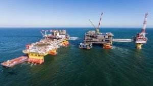 ЛУКОЙЛ начинает платить налог на расположенное в Каспийском море имущество