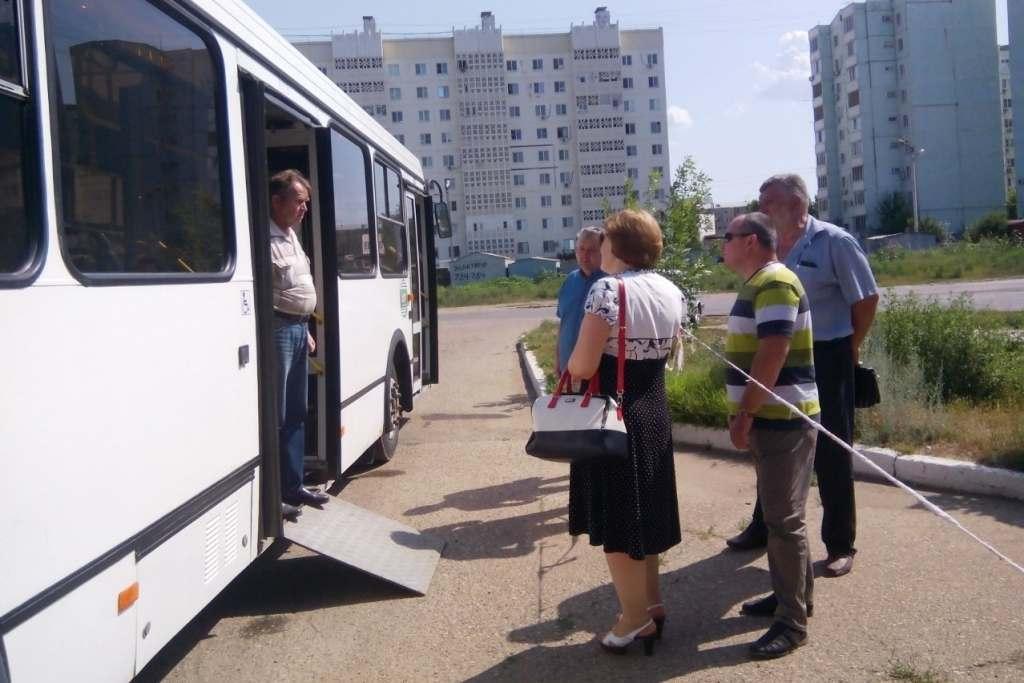 Инвалидам-колясочникам практически недоступен общественный транспорт Астрахани