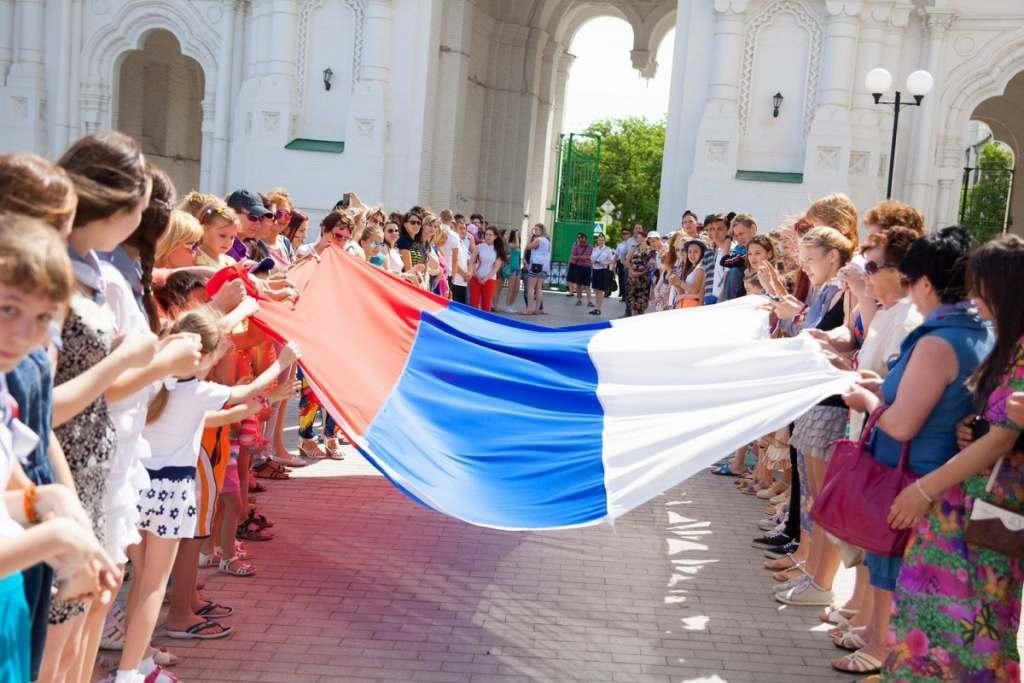 Как в Астрахани отметят День России (ПРОГРАММА МЕРОПРИЯТИЙ)