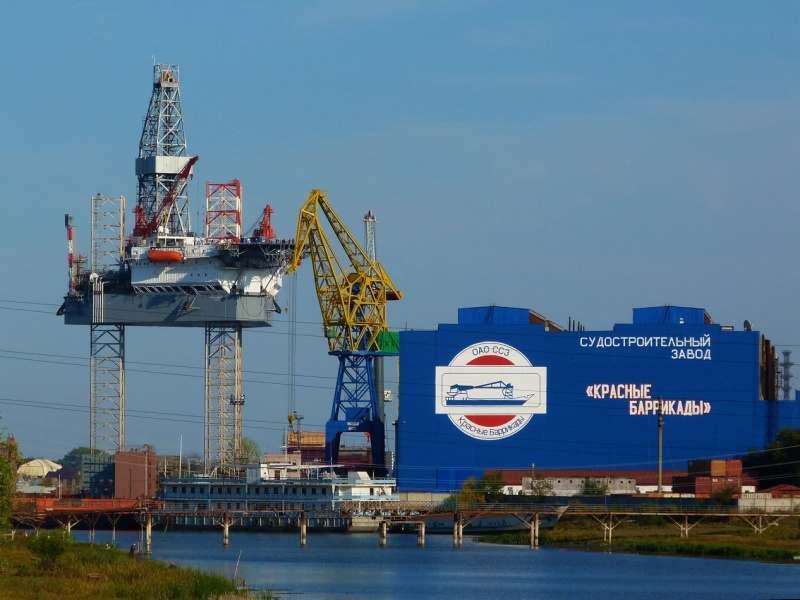 Астраханский завод «Красные Баррикады» изготавливает опоры для Керченского моста