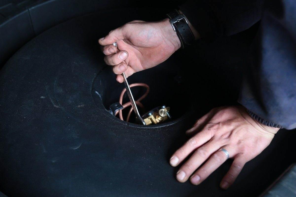 Астраханский автослесарь пойдет под суд за неправильную проверку газового оборудования