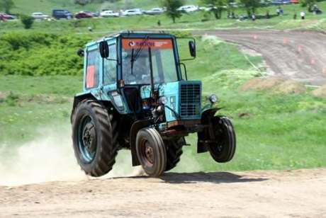 В Астраханской области 47 трактористов совершили нарушения