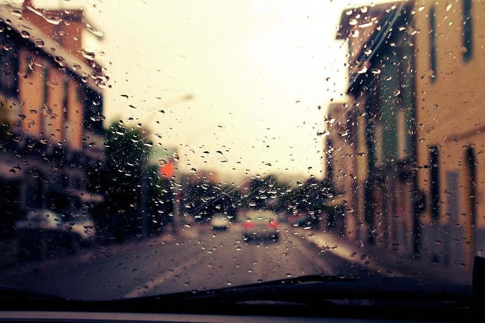Астраханская область охладится: дождь и ветер
