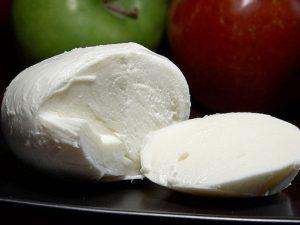 В Астрахани запустят производство моцареллы и мягких сыров