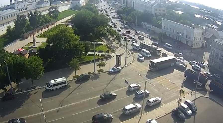 Устроивший аварию в центре Астрахани автобус не принадлежал ни одному туроператору