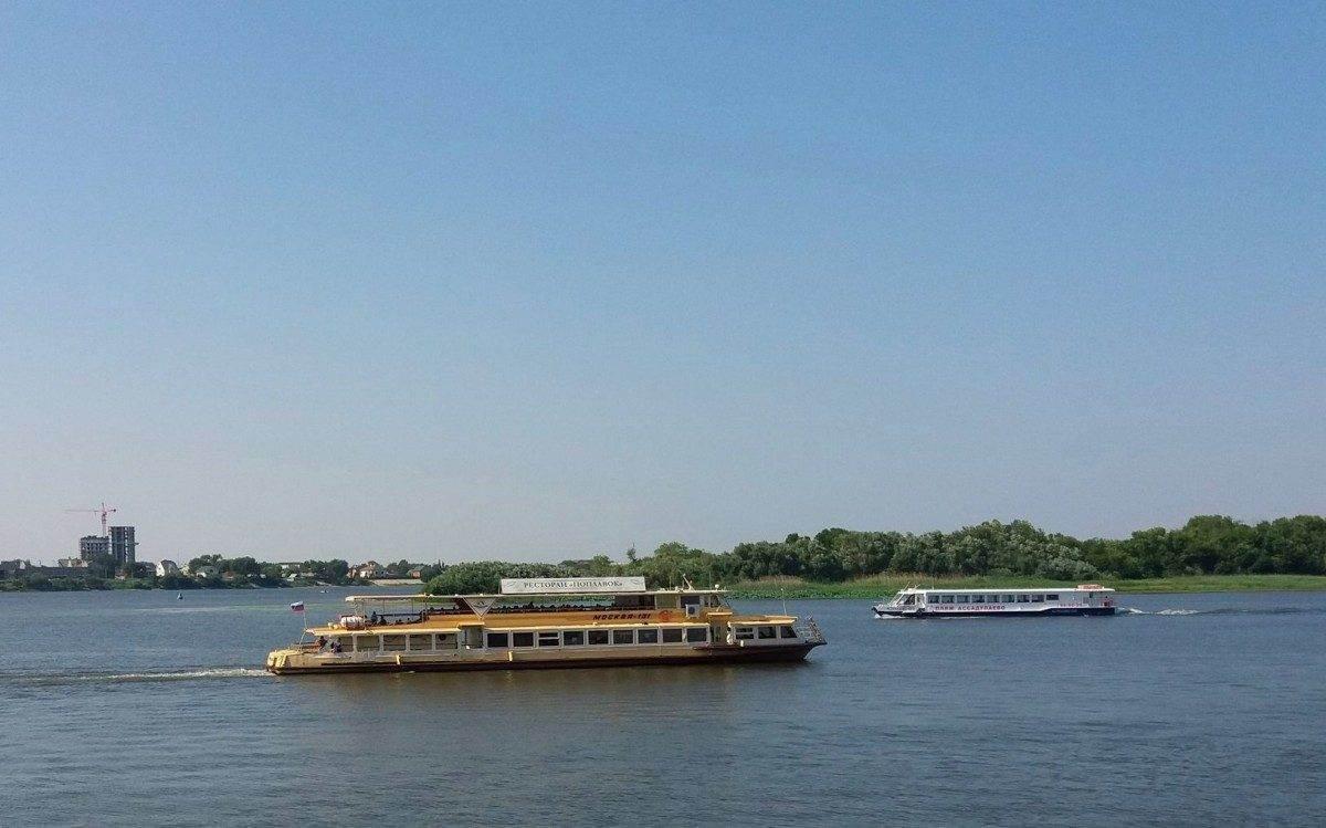 В субботу в Астрахани начинают ходить речные трамвайчики