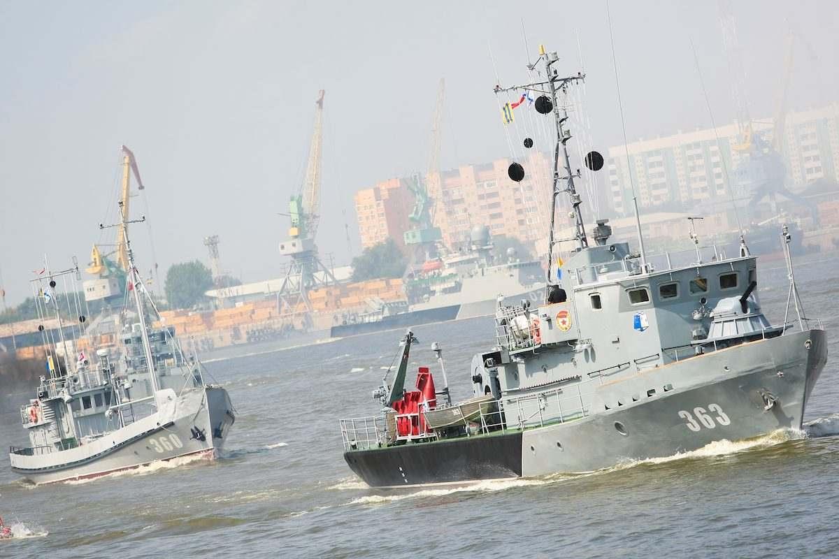 В Астрахани ярко и красочно отметили День ВМФ