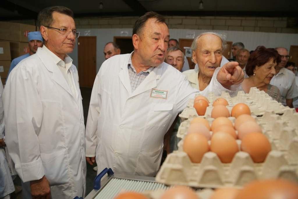 Астраханских ветеранов свозили на предприятия АПК