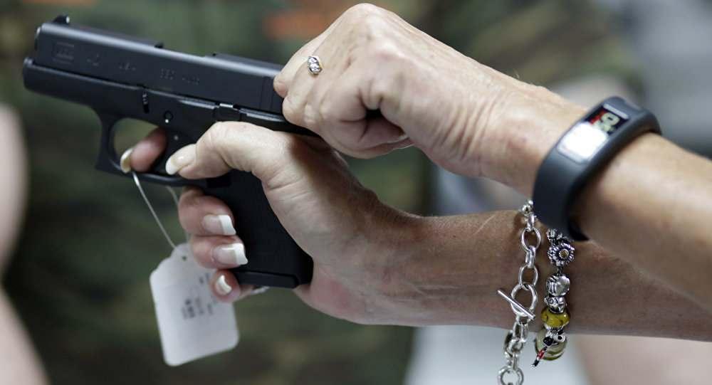 В Астрахани вновь стреляют из свадебных кортежей