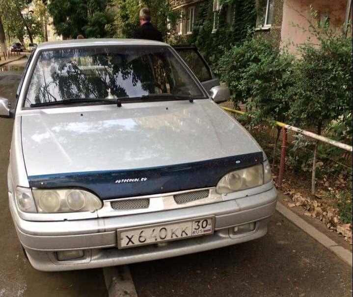 Водитель неправильно припаркованного автомобиля не пропустил молодую маму с детьми