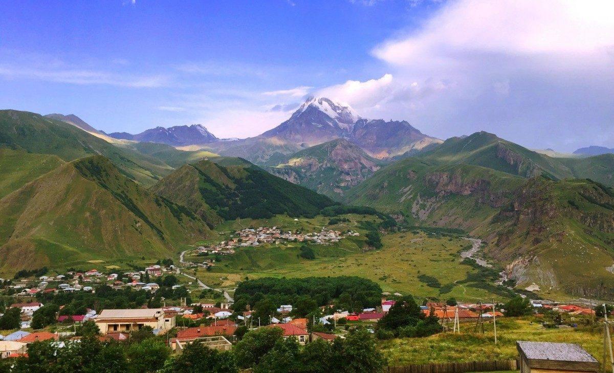 Астраханские альпинисты покорили гору Казбек