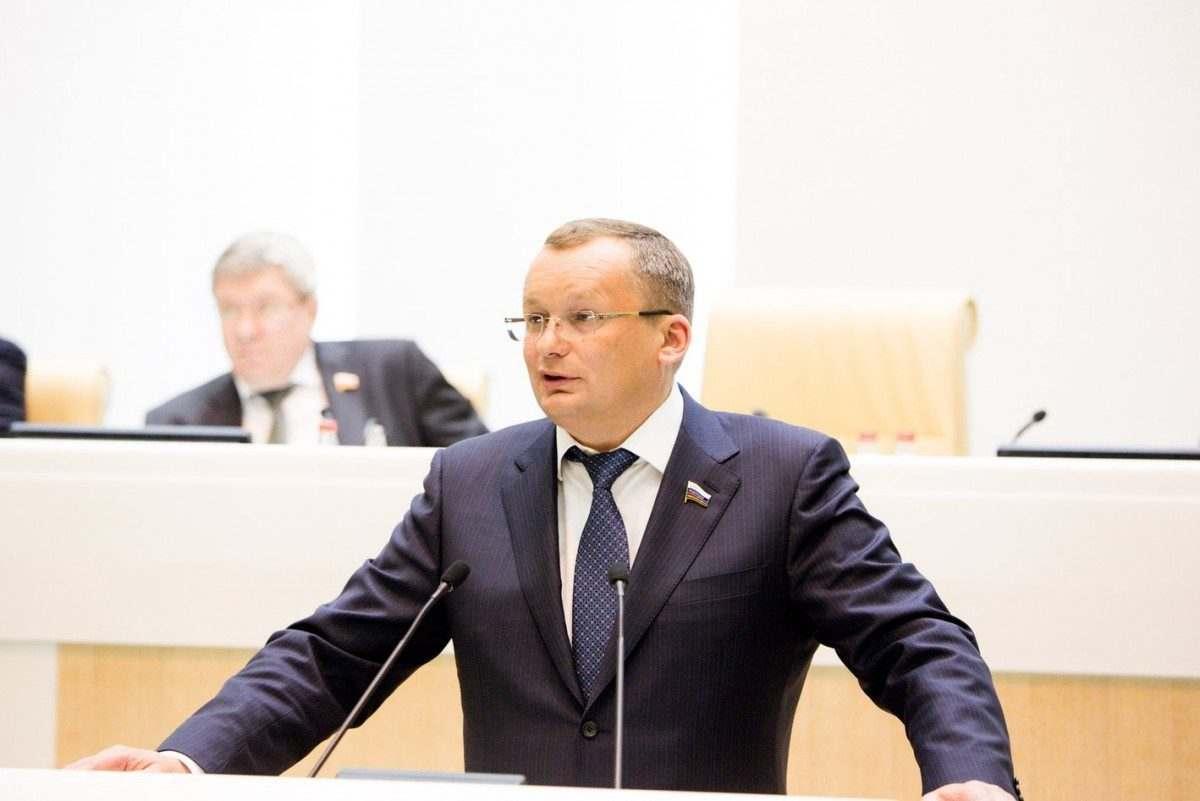 Астраханским городским депутатам вернули помощников