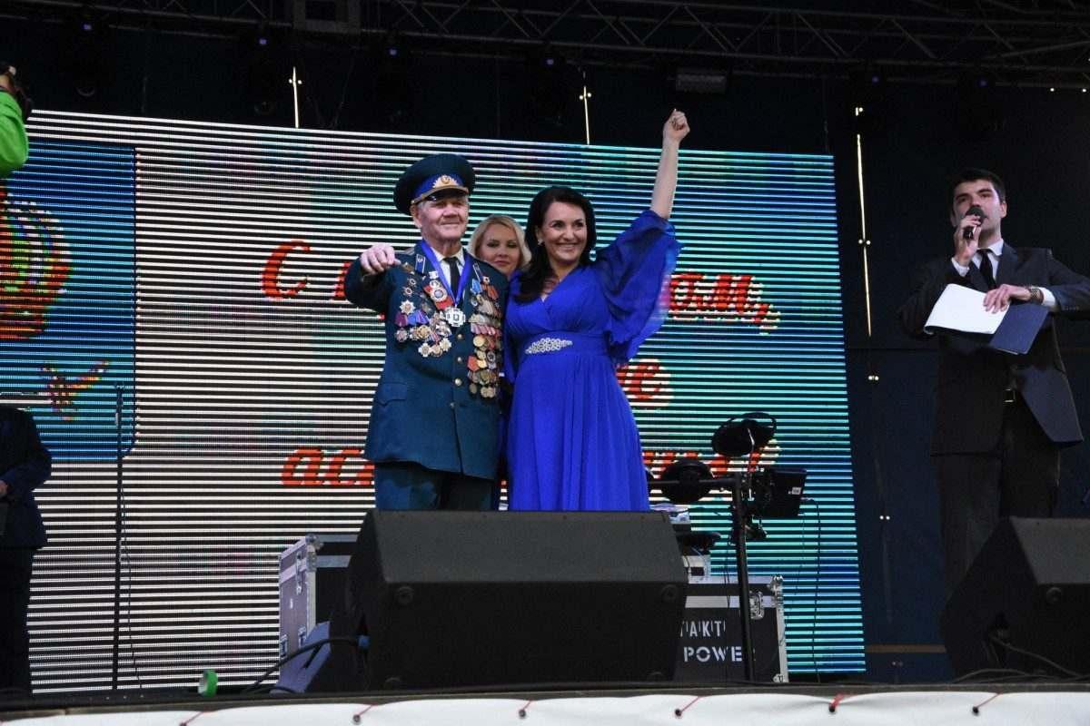 На День города в Астрахани наградили почетных жителей