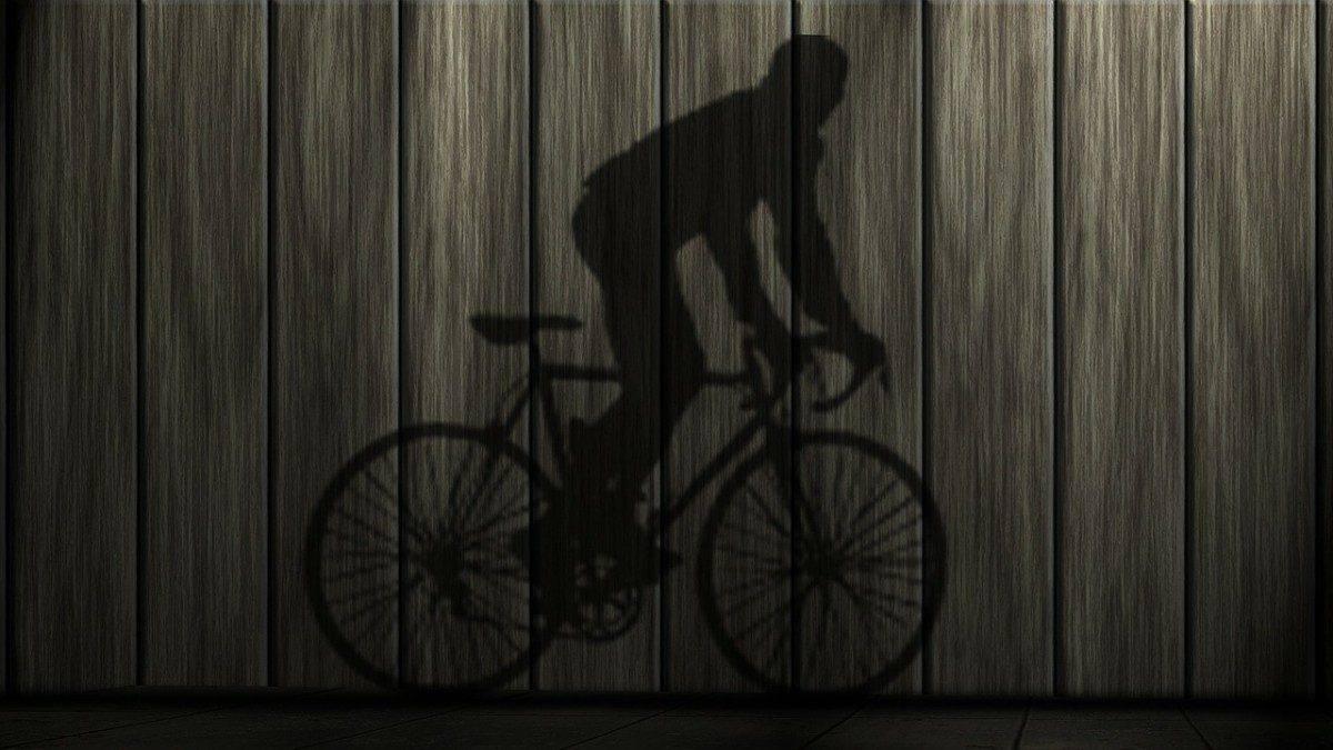 На трассе Волгоград-Астрахань сбили 14-летнего велосипедиста