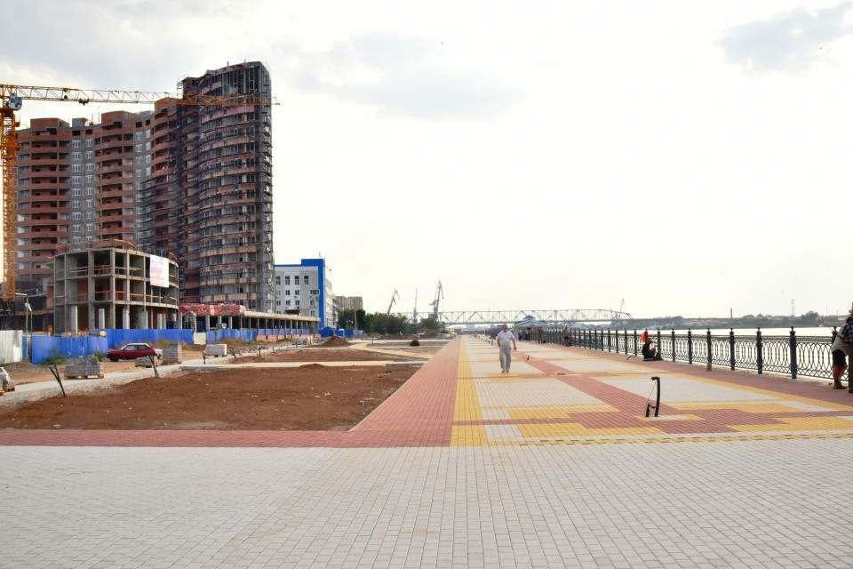 Центральная набережная в Астрахани стала длиннее
