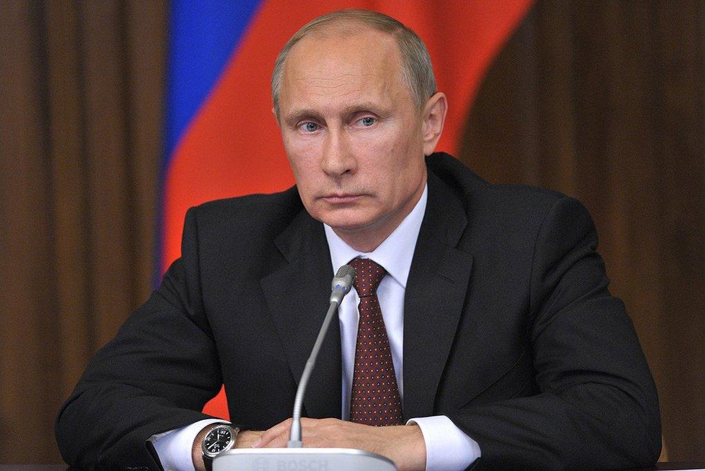 Владимир Путин начал совещание по вопросам развития Астраханской области