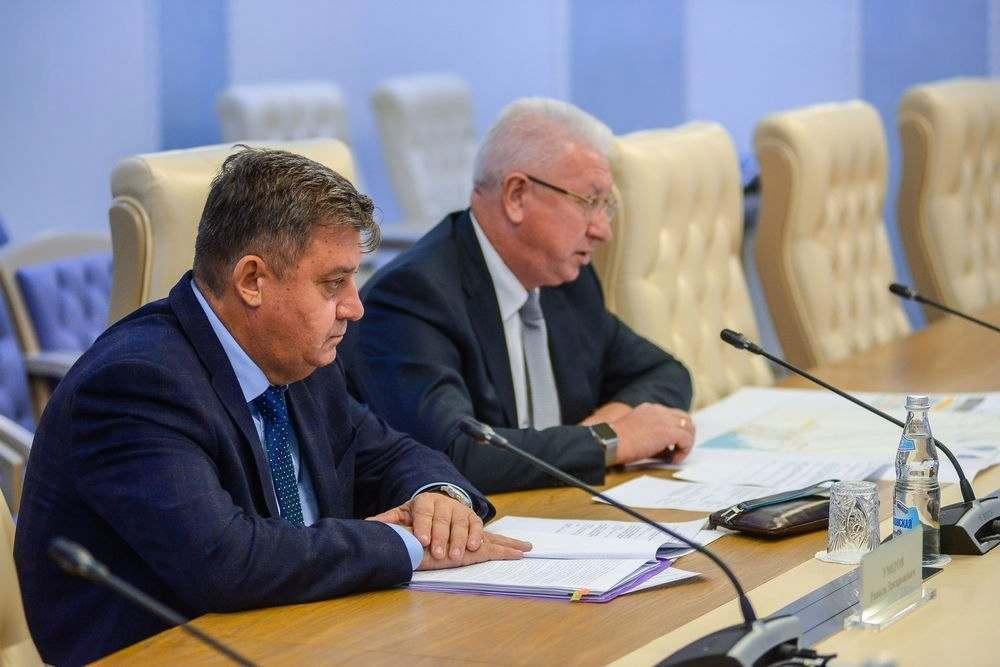 Правительство Астраханской области «пожурили» за траты средств дорожного фонда