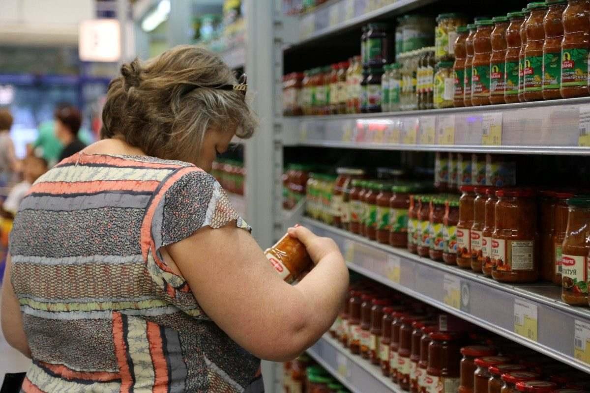 В Астраханской области продолжает падать оборот розничной торговли