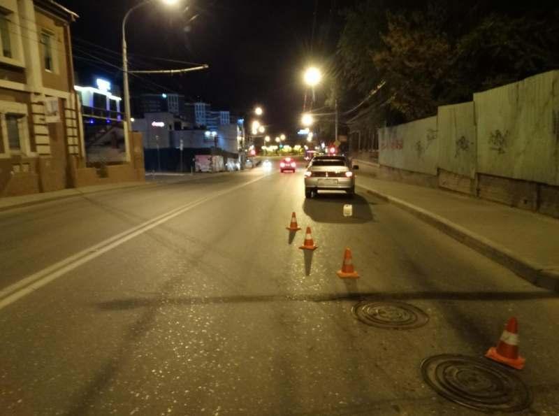 Астраханец упал на проезжавшую машину
