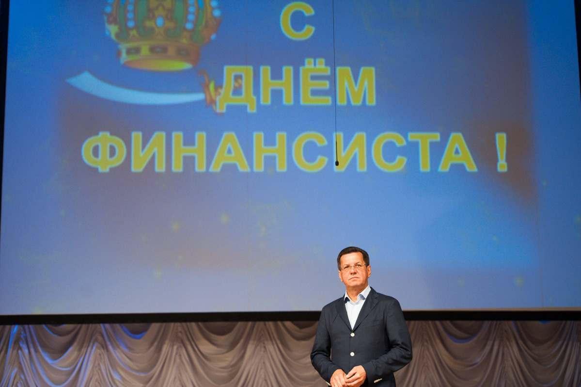 Бюджету Астраханской области становится все хуже