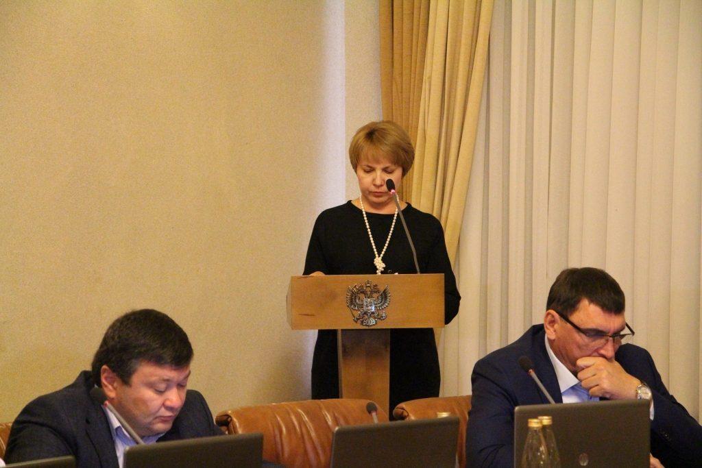 Бывший астраханский депутат призвал кардинально сократить правительство региона
