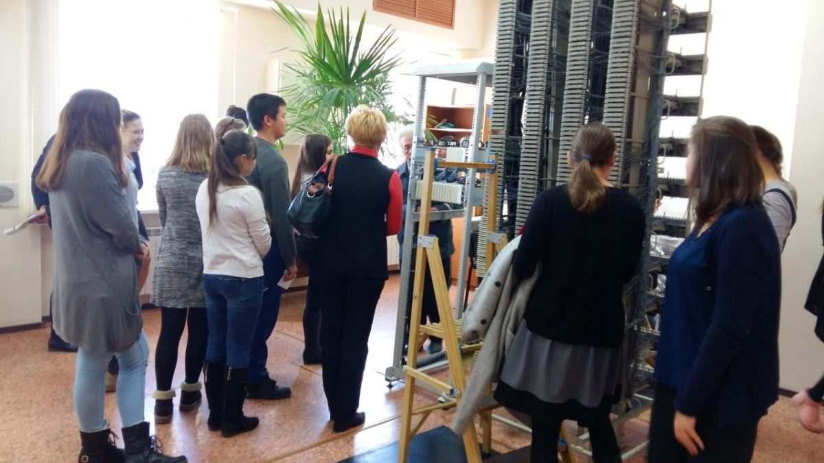 Школьникам устроили экскурсию в Астраханский региональный центр связи ПривЖД