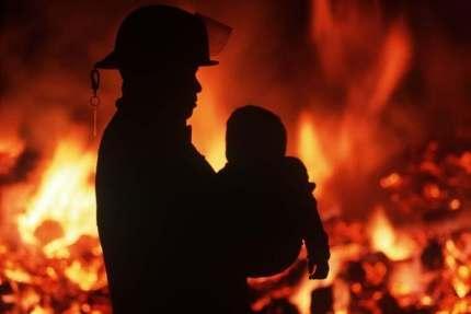 Под Астраханью на пожаре погиб двухгодовалый малыш