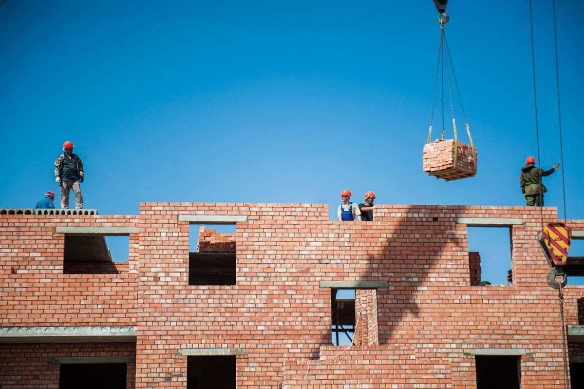 В Астраханской области введено 388 тыс кв метров жилья