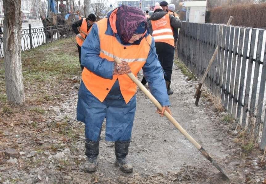 Астрахань активно чистят от снега