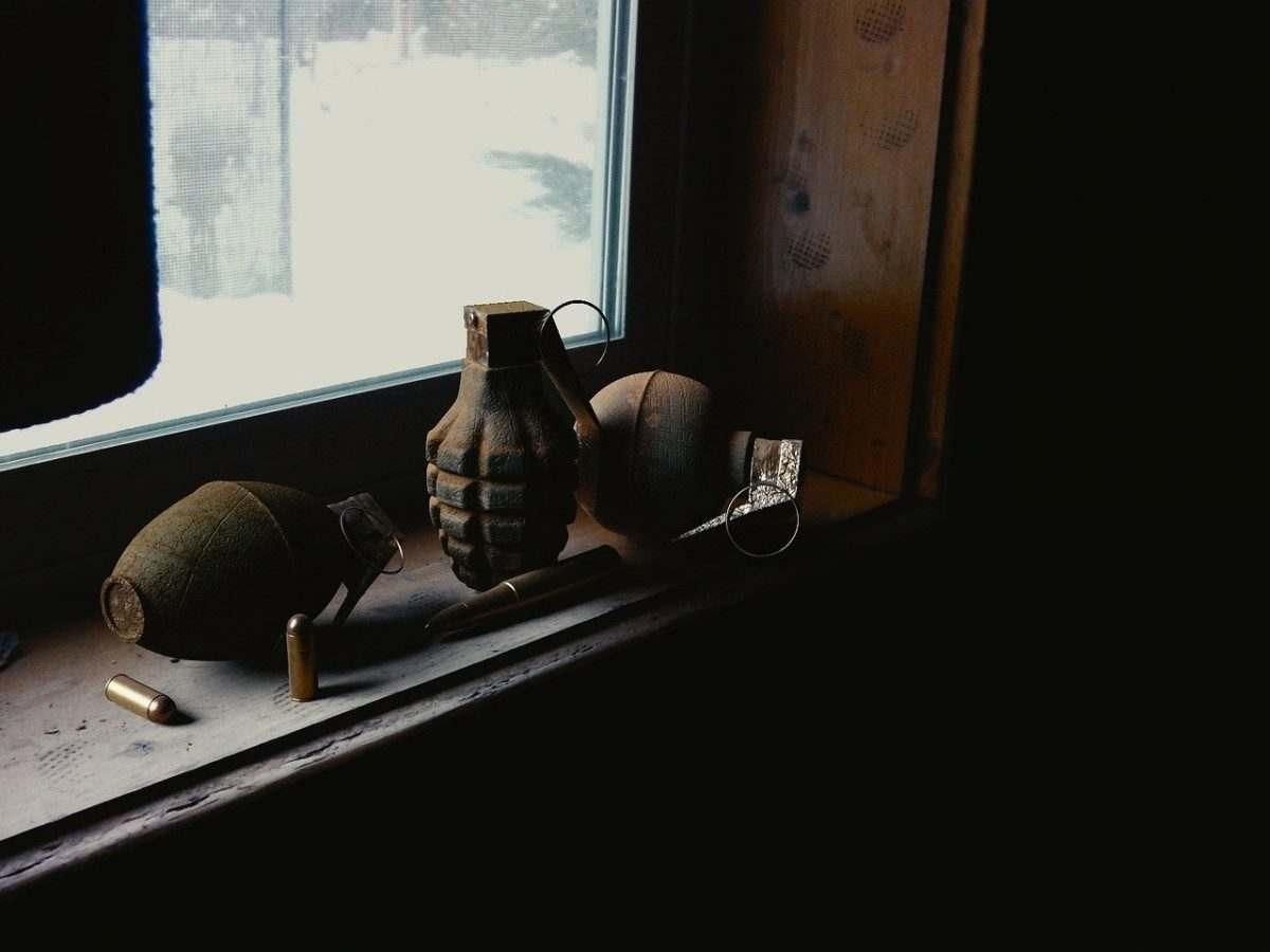 Астраханец проведет полтора года в колонии за гранату в духовке