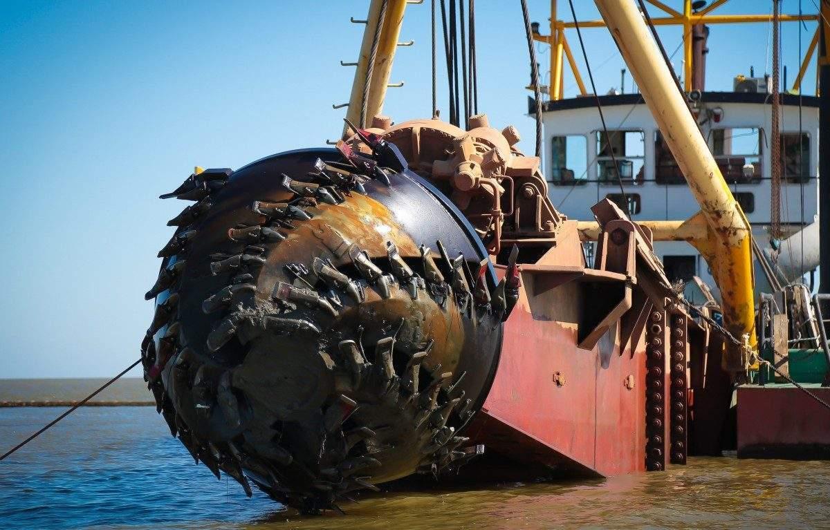 ООО «Каспийская гидротехническая компания» успешно завершила дноуглубительные работы в Волго-Каспийском канале