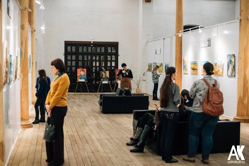 В Астрахань прибыла выставка Ван Гога