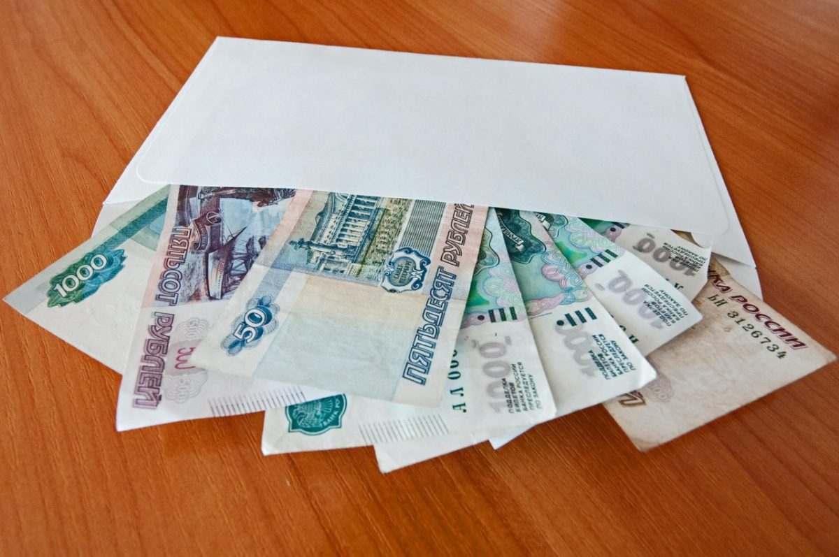 Зарплату «в конверте» получают 34 тысячи астраханцев