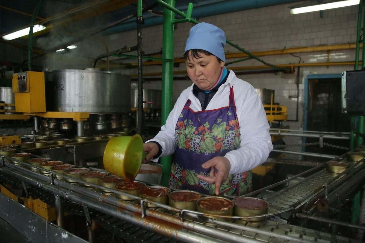 Что за рыбные консервы производит Кировский рыбозавод?