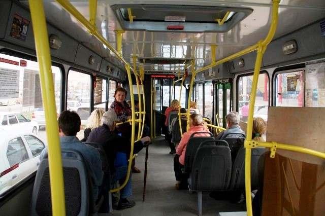 Плохая работа общественного транспорта мешает астраханцам вовремя приходить на работу