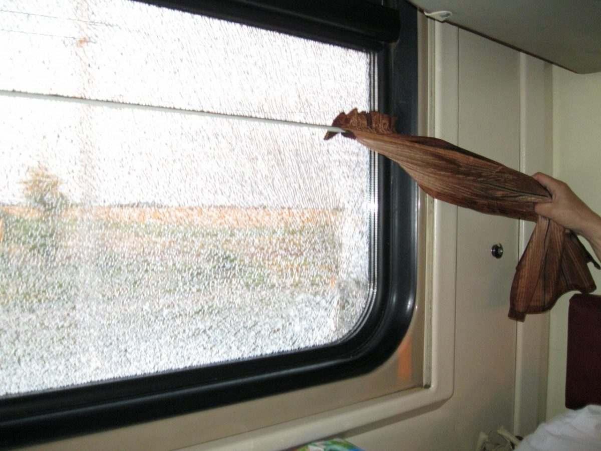 В Астраханской области снизилось число случаев вандализма на железной дороге