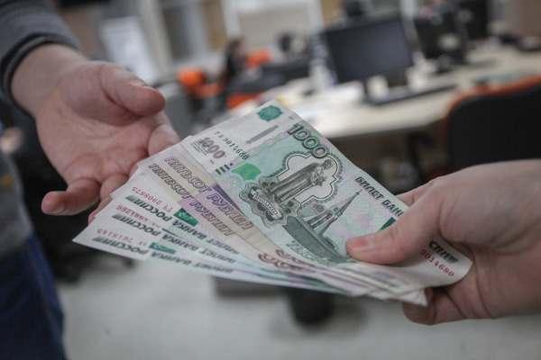 Почти все астраханские пенсионеры уже получили единовременную выплату