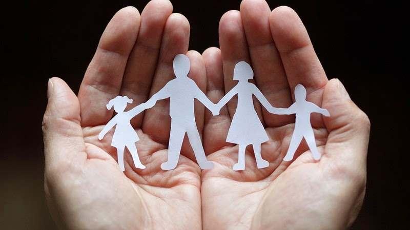 Дагестанка усыновила трех детей-инвалидов из Астрахани
