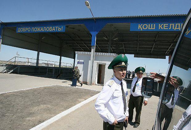 Астраханские пограничники поймали иностранца-уголовника