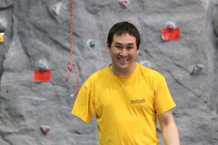 Безрукий чемпион мира по скалолазанию будет тренировать астраханских детей-инвалидов