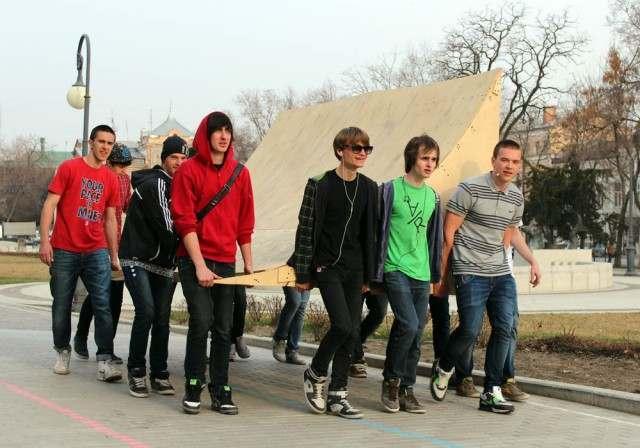 Астраханской области недостает эффективности молодежной политики