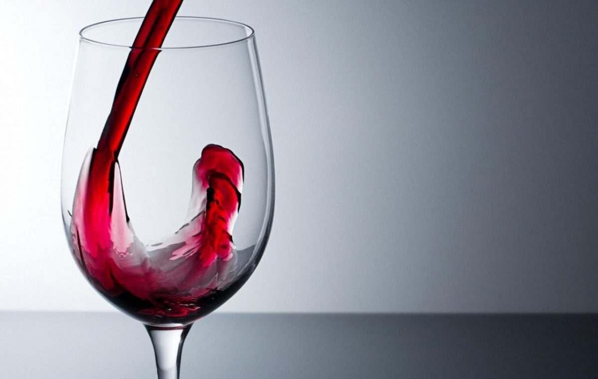 21% работающих астраханцев выпивают на работе
