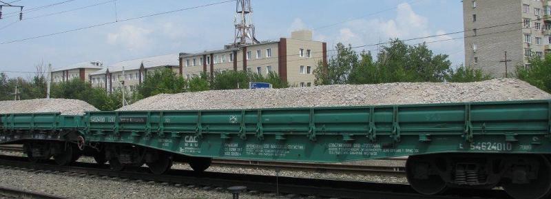Астраханскую область от паводка будут спасать поезда с щебнем