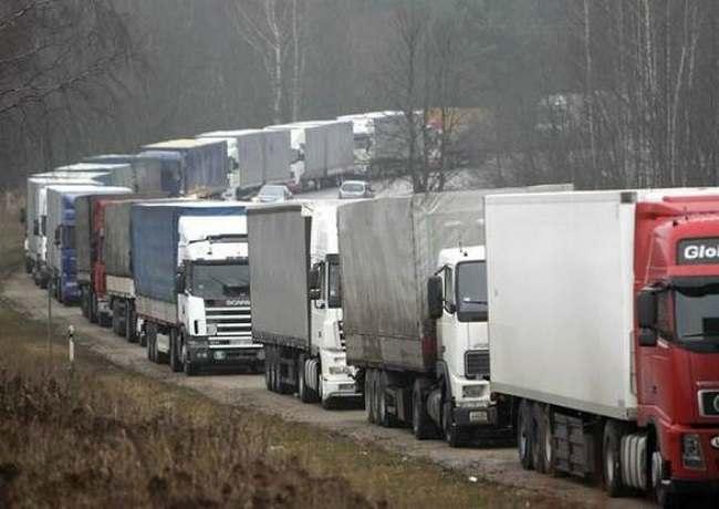 Видео: в Астрахани забастовали дальнобойщики