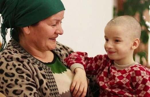 Жительница Махачкалы может стать приемной матерью для семерых инвалидов из Астрахани