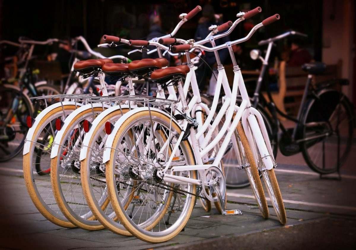 Пока астраханцы радовались теплой погоде, у них похитили велосипеды